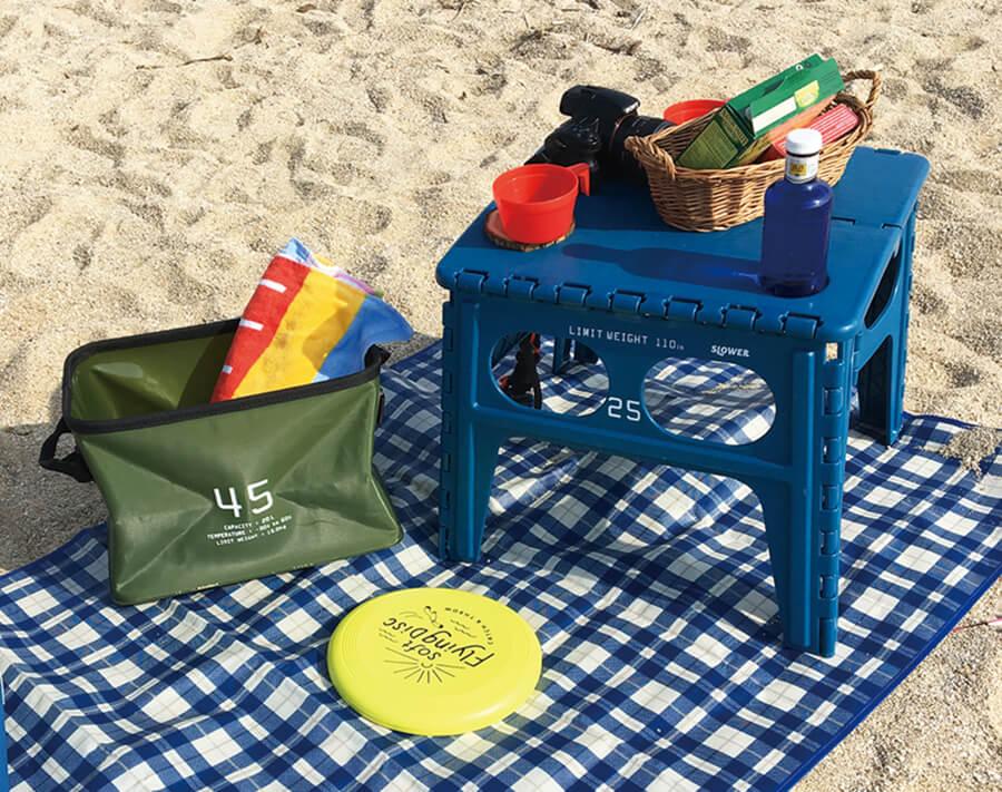 テーブルブルーと砂浜