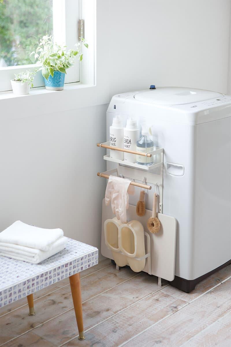 洗濯機ラックをとりつけた洗濯機と洗面所