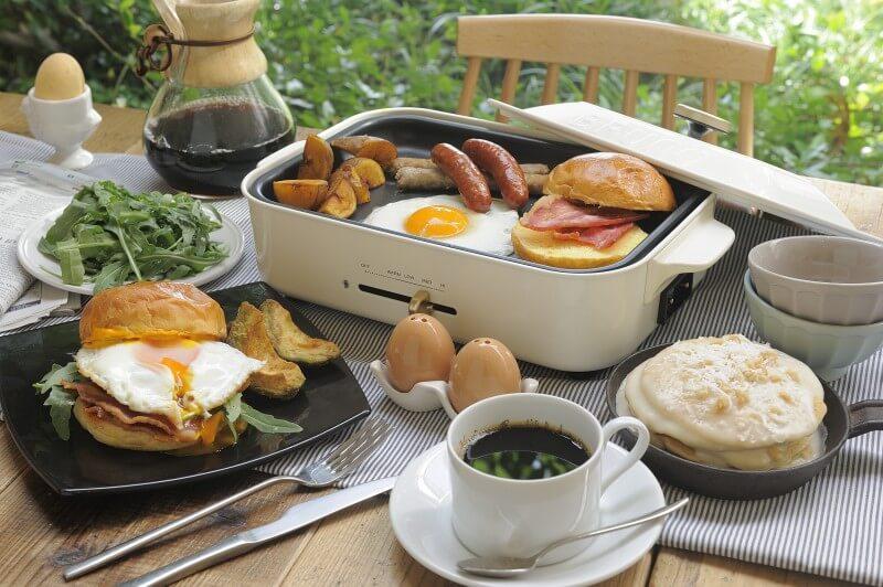 ひとり暮らしにおすすめなホットプレート。Bruno/ブルーノコンパクトホットプレートなら一人暮らしの朝食・お弁当づくりにおすすめ。