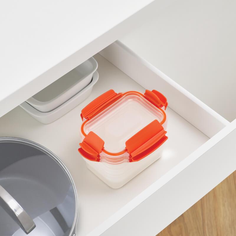 ジョセフジョセフ ネストロック3ピースセットタッパー型保存容器 積み重ねが可能。