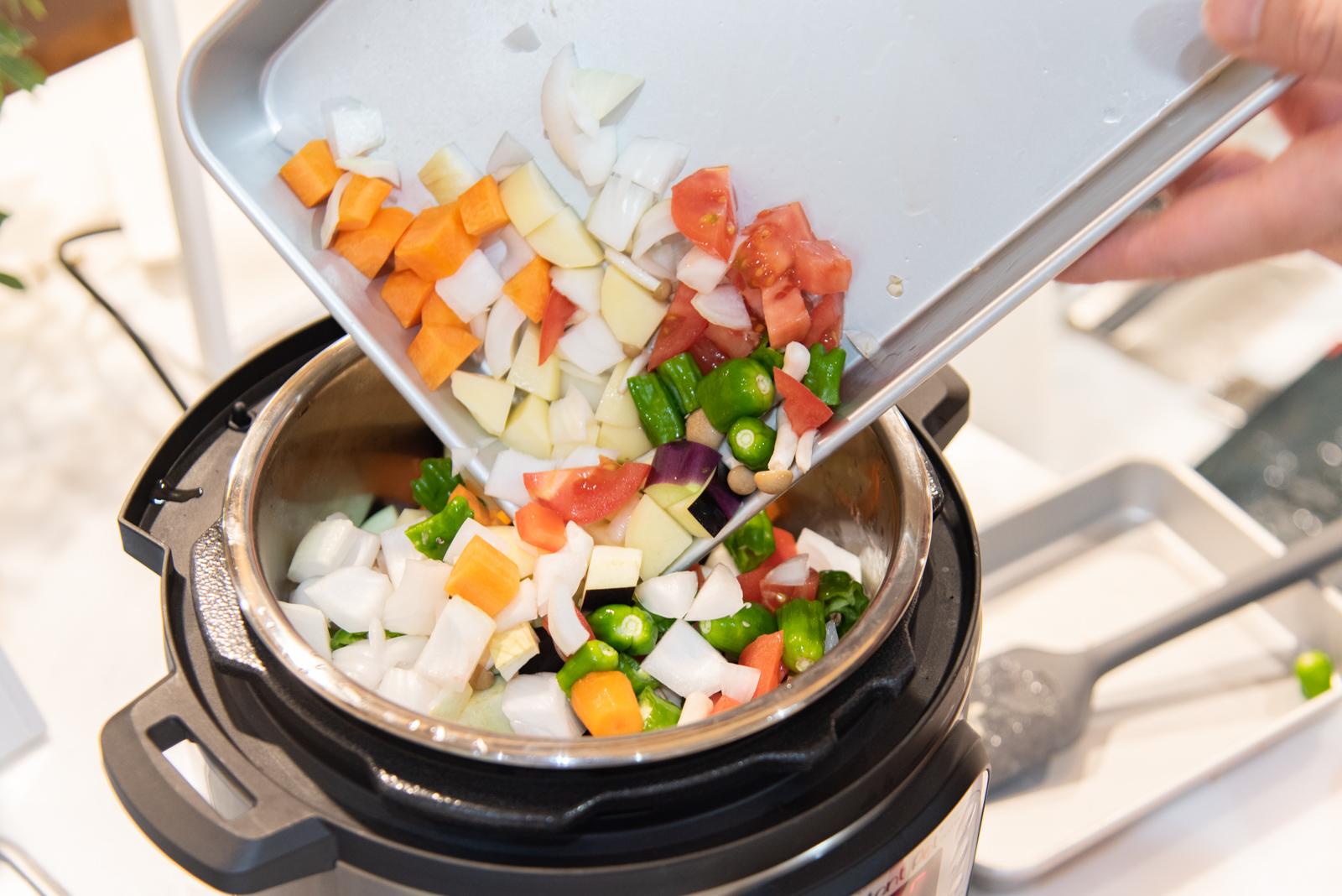 本格料理も簡単!1台7役の多機能マルチクッカー「インスタントポット DUO MINI」とは?