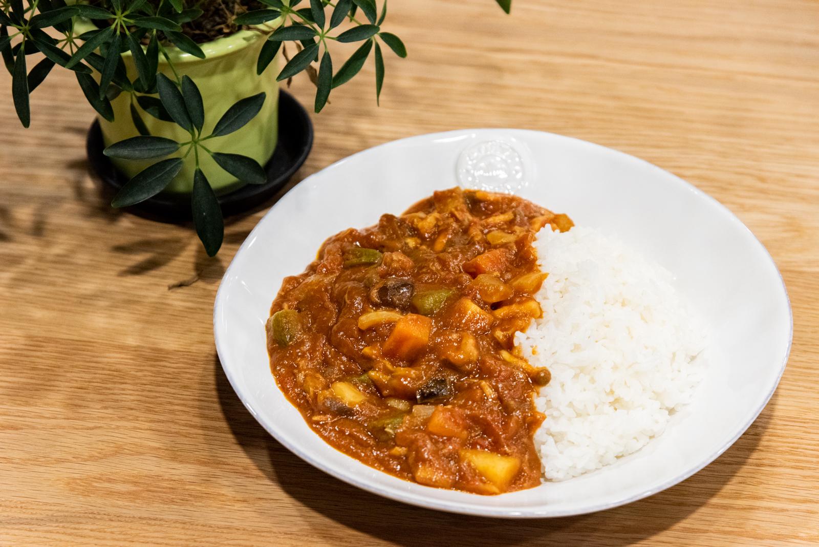 簡単に野菜の旨味たっぷりの無水カレーが作れる!インスタントポットを使ったおすすめ料理レシピ