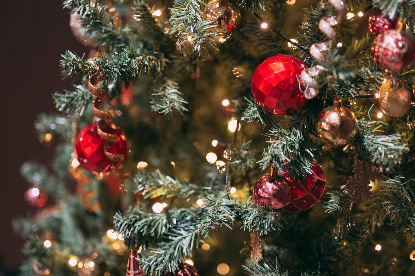 付き合う前の女性・彼女が喜ぶクリスマスプレゼントとは?予算別おすすめギフト10選!【2021年版】